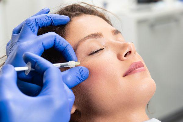 Trattamenti di medicina estetica: quale scegliere per ringiovanire il viso?